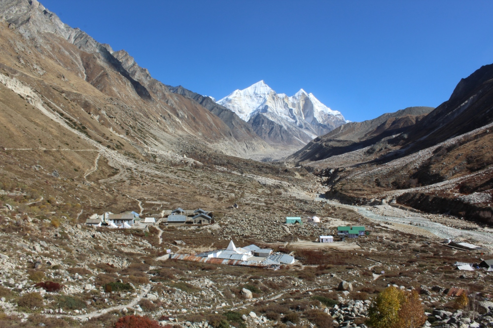 Bhojbasa - our pit stop for the day 3. Bhagirathi mountains are in behind